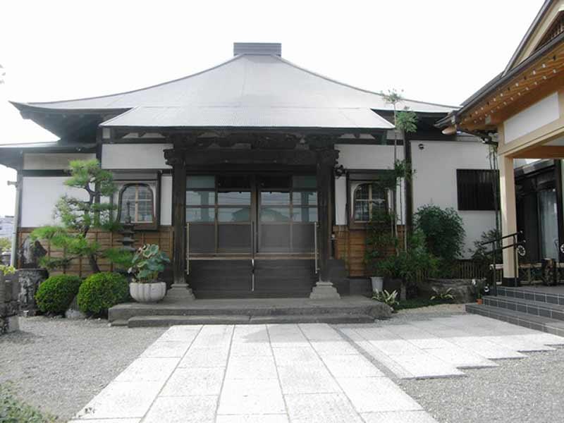 大経寺 清潔感が溢れる本堂