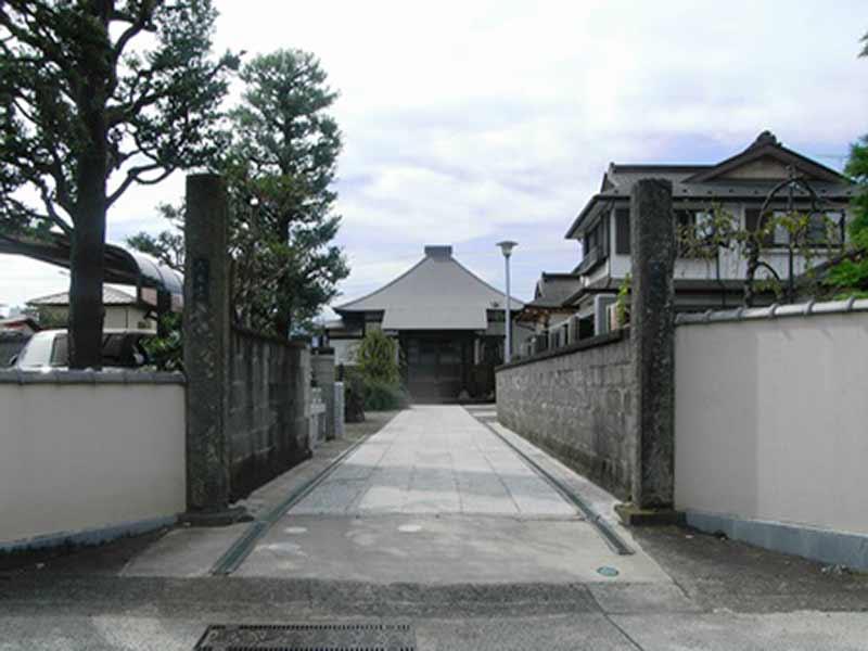 大経寺 フラットな参道