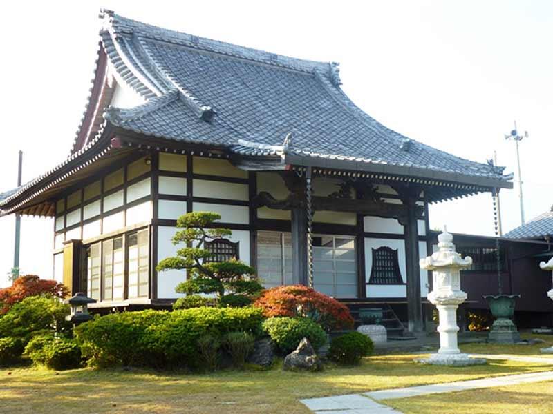 浄心寺 明るい雰囲気の本堂