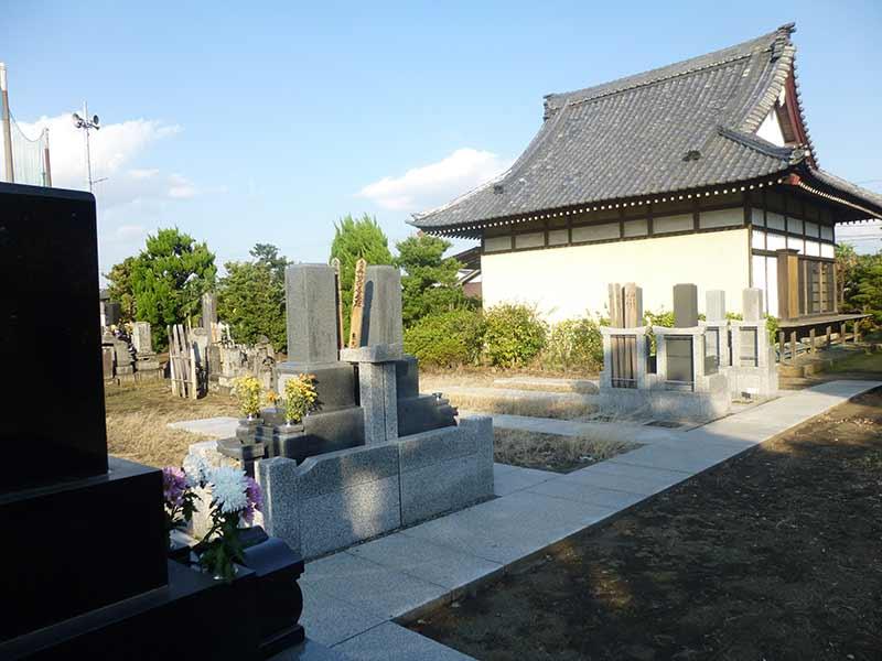 浄心寺 広々とした墓域