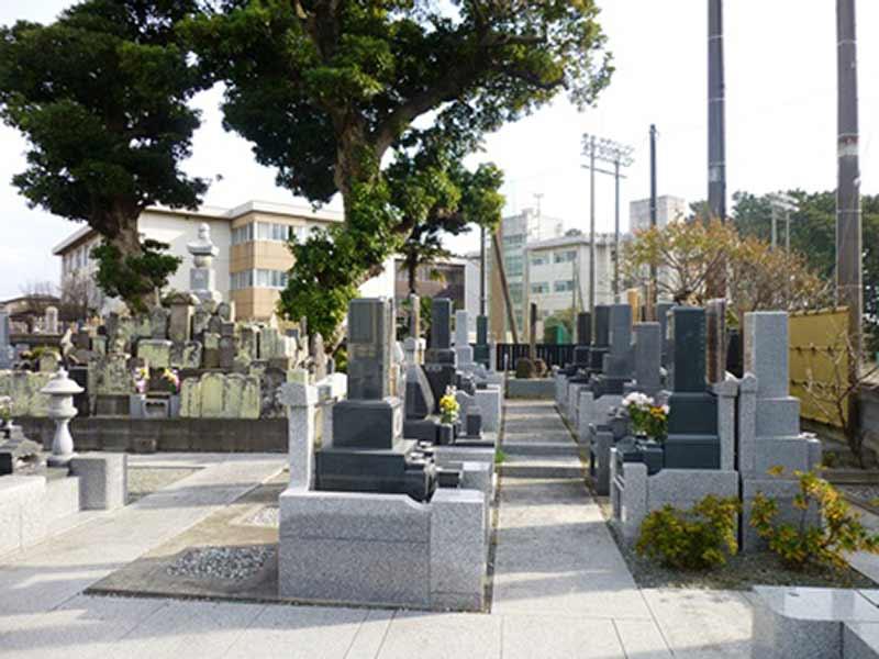 本典寺 区画整備された墓域