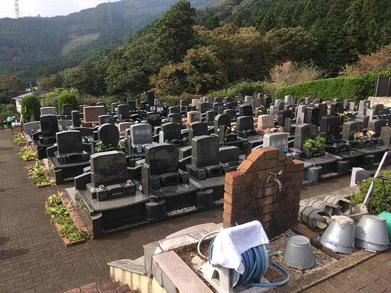 メモワール秦野 高台にある墓域
