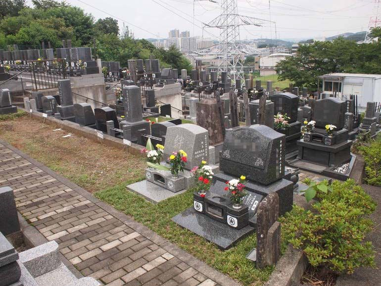 黒川光墓苑 見渡しのよい墓域