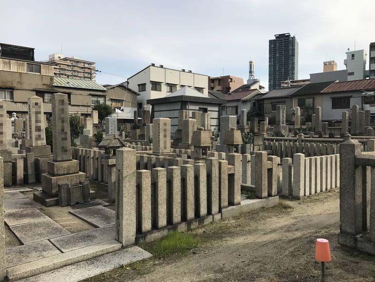 大阪市設 北霊園 広々とした区画