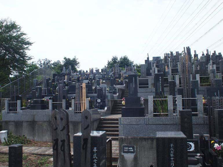 黒川光墓苑 陽当りのよい墓域
