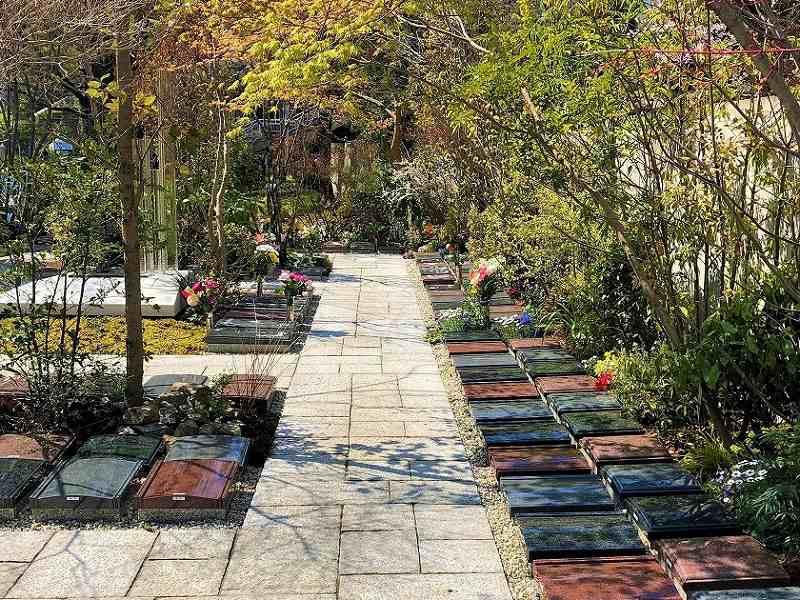 宝珠院 芝庭苑 日当たりの良い墓域