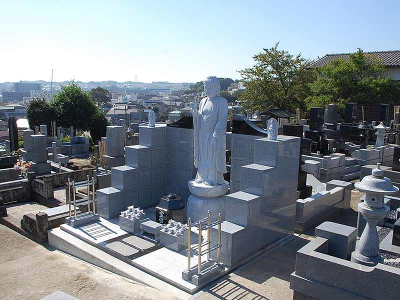 東漸寺 のうこつぼ 日の当たる墓域