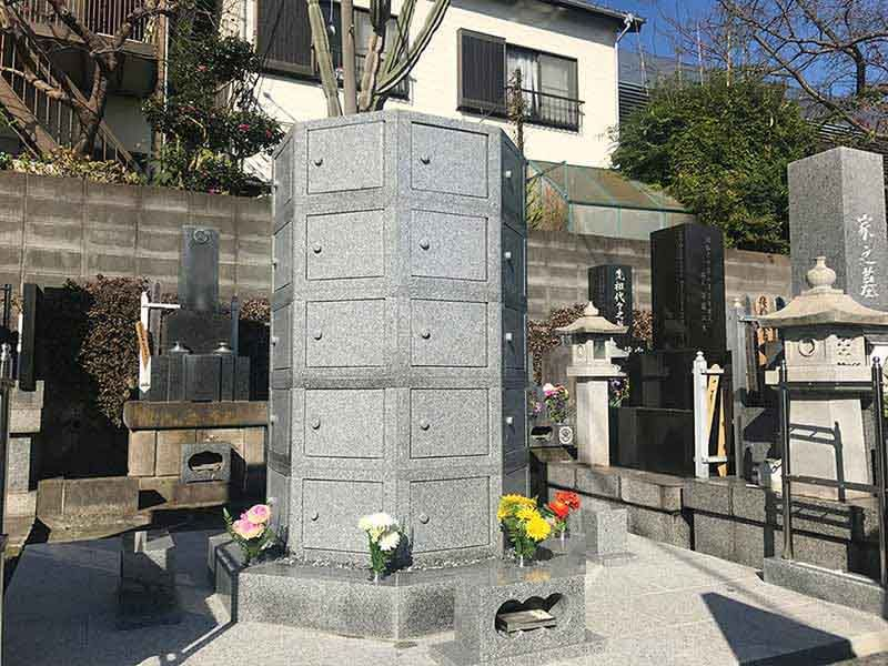 三樹院 のうこつぼ 和型墓石とのうこつぼ