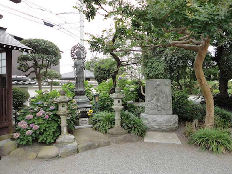 東学寺 のうこつぼ 観音菩薩像