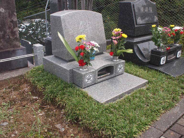 黒川光墓苑 ゆったりとした区画の芝生墓所