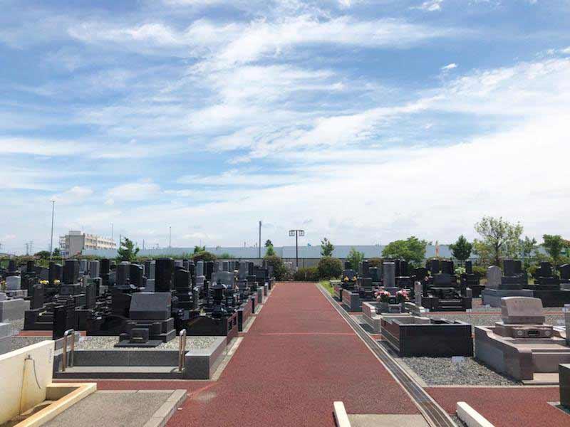 光明寺墓苑 開放的な雰囲気の墓域