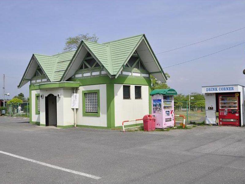 秩父市営 秩父聖地公園やすらぎの丘 トイレ・自動販売機を完備