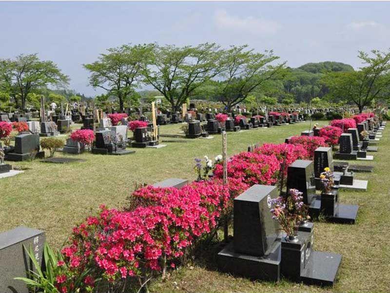 秩父市営 秩父聖地公園やすらぎの丘 緑が美しい芝生墓地