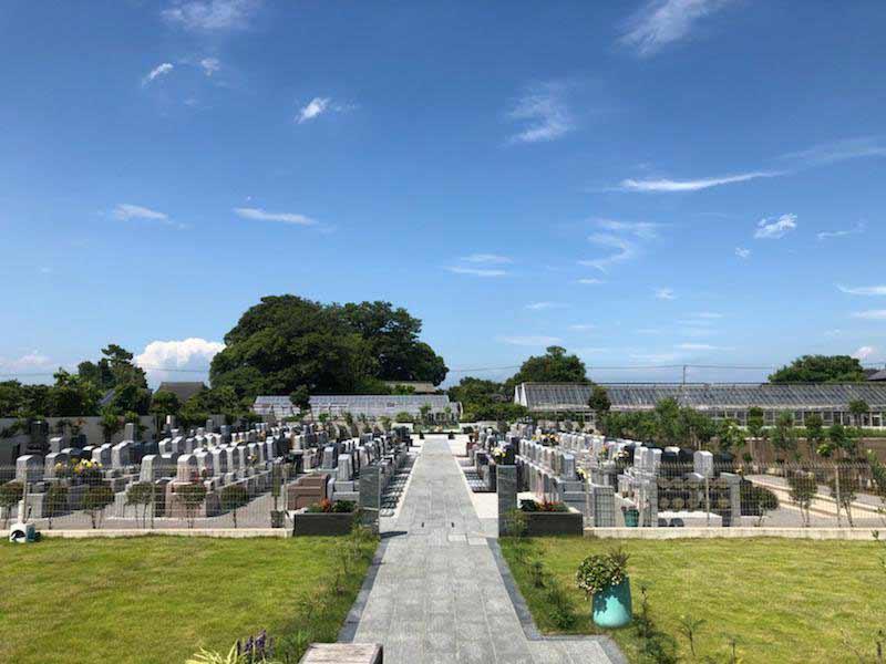メモリーガーデン久喜清久霊園 平坦で段差がないバリアフリー設計