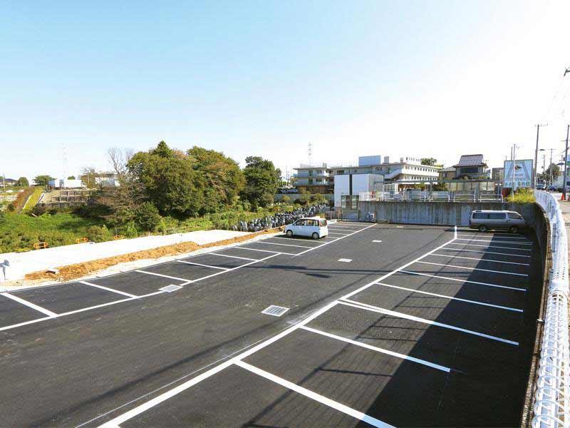 川口霊園かわぐちの杜第2期 段差のない平坦な駐車スペース