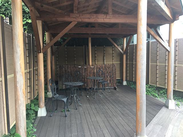 神楽坂霊園 屋根付き野外休憩場所