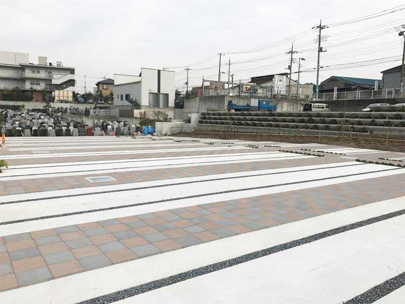 川口霊園かわぐちの杜第2期 舗装されているので雨の日でも足元が汚れません