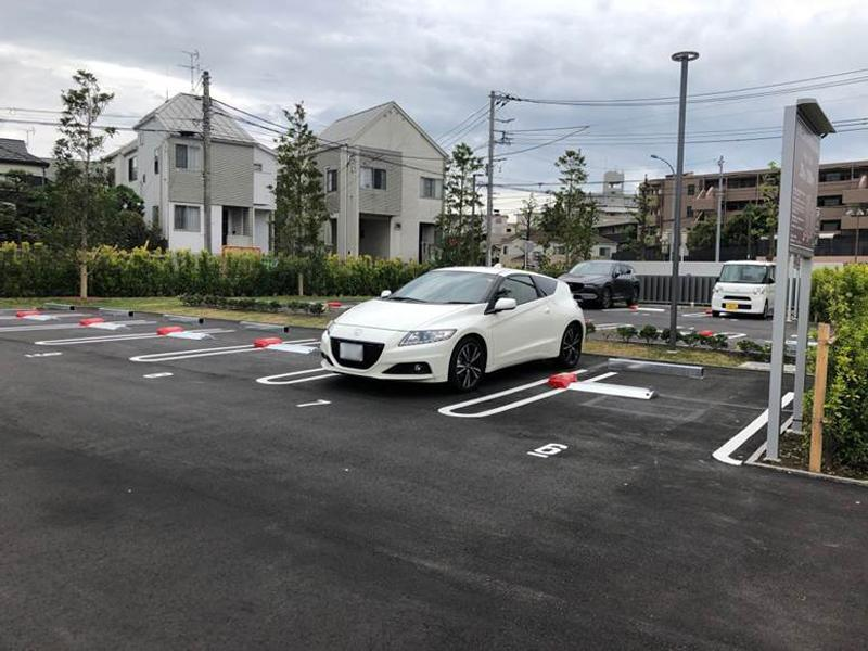 横浜市営 日野こもれび納骨堂 整備された平坦な駐車場
