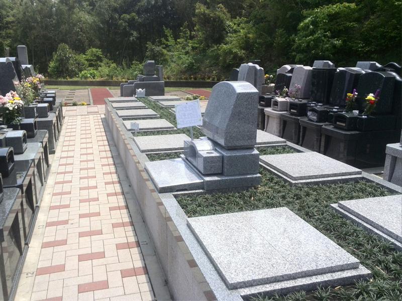 ヒルズ川崎聖地 緑豊かなテラス墓地