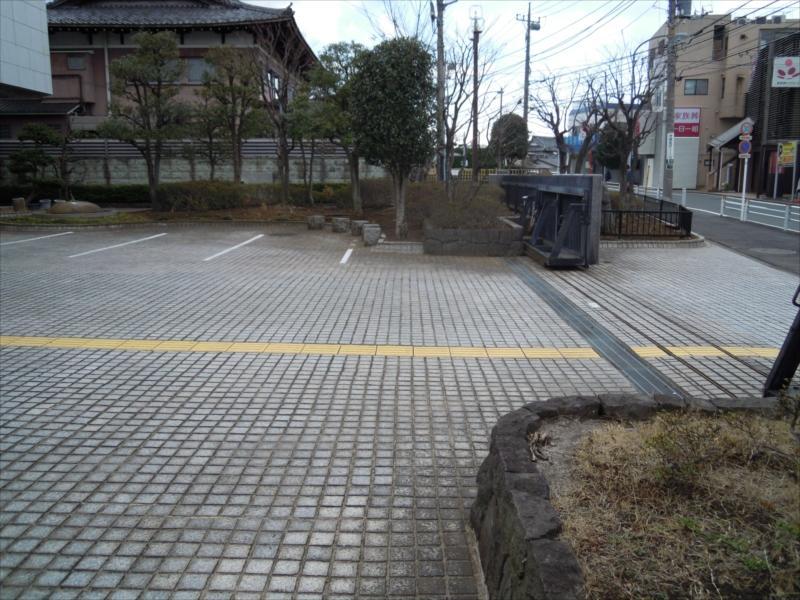 横浜市営久保山霊堂 駐車スペース