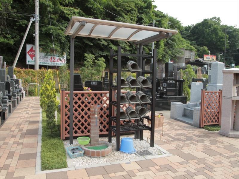 中和倉メモリアルひかりの郷 水汲み場と参拝道具