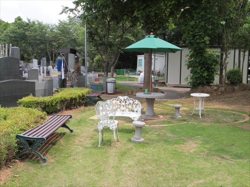 八千代メモリアルヒルズの園内休憩所