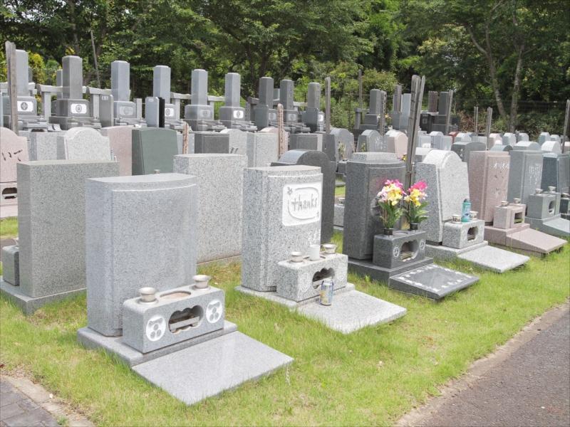 八千代メモリアルヒルズの芝生墓地②