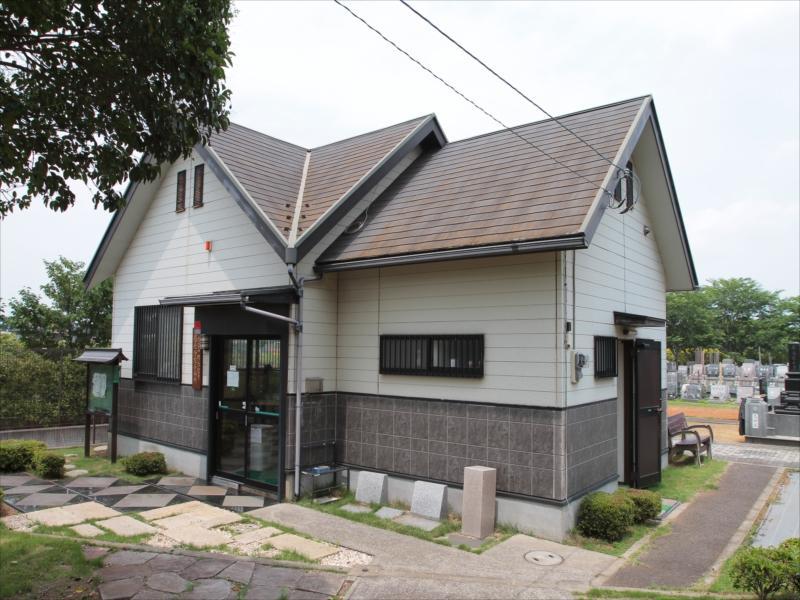 八千代メモリアルヒルズの管理事務所(裏口)
