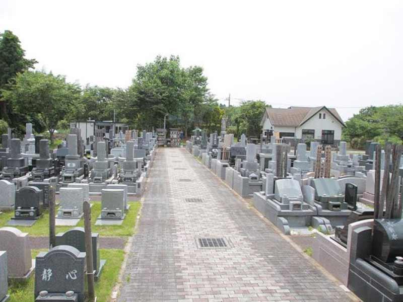 八千代メモリアルヒルズの園内通路