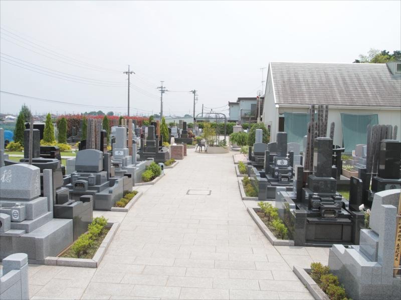 四街道メモリアルグランデ 墓域内はお参りしやすいバリアフリー