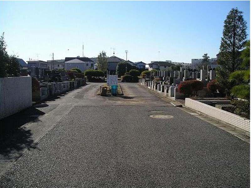 船橋市営 習志野霊園 広々としたメイン参道