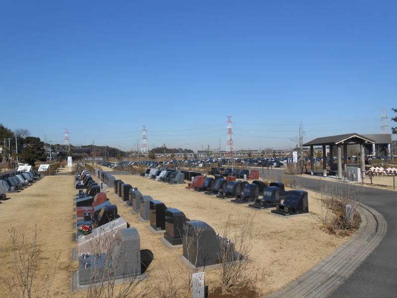 八千代市営霊園 バリアフリー設計で安心の墓域