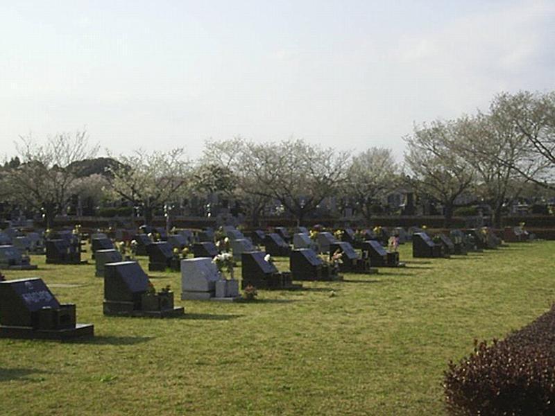 市原市営 能満墓園 開放感のある芝生墓所