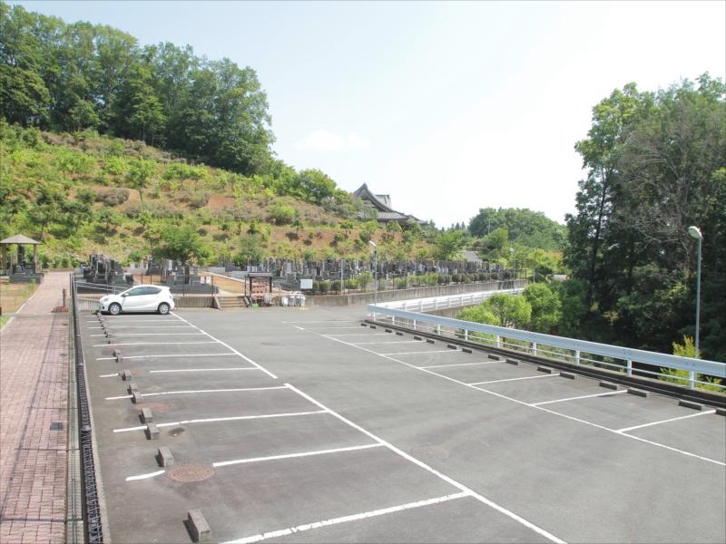 浄光の森聖地 駐車場