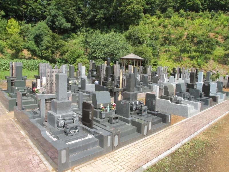 浄光の森聖地 日当たりが良く緑豊かな墓域