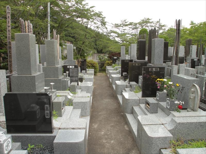 東京秋田霊園 スロープやエレベーターがあるので安心してお参りできる墓域