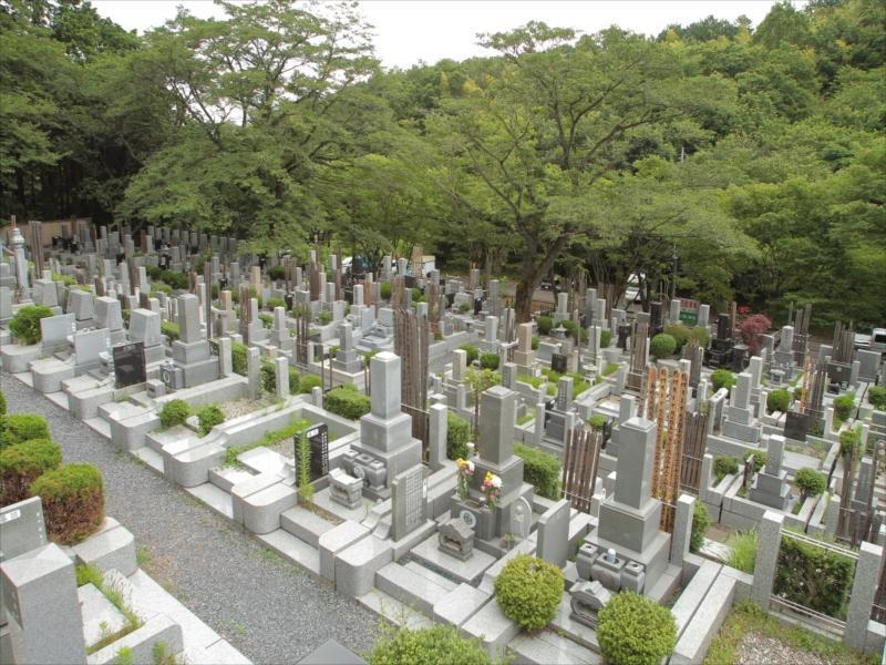 東京秋田霊園 緑豊かな霊園風景