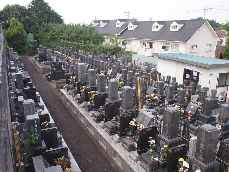 藤沢霊園 区画整備された墓域