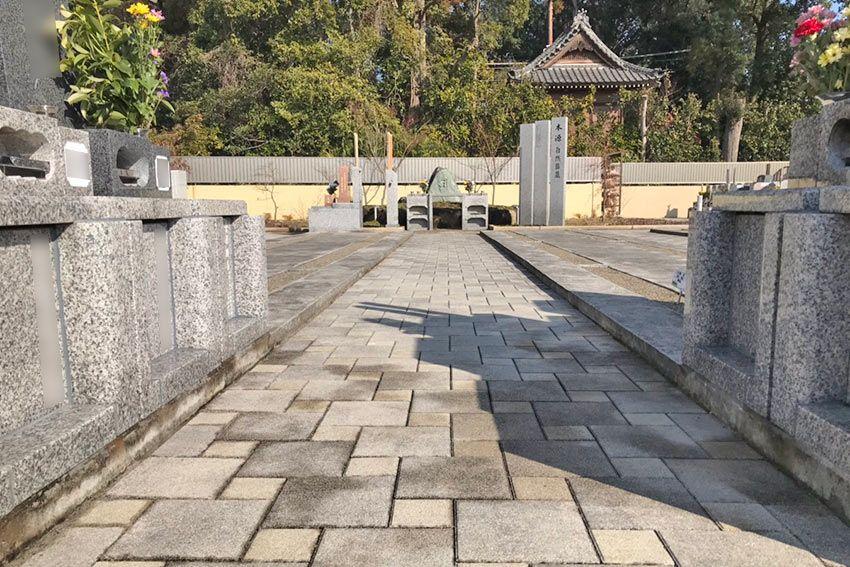 メモリーガーデン彩の杜霊園の段差のない、バリアフリーな墓域