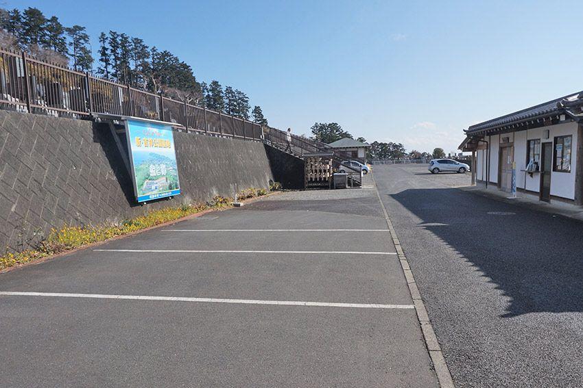 湯河原吉祥公園墓地の駐車場