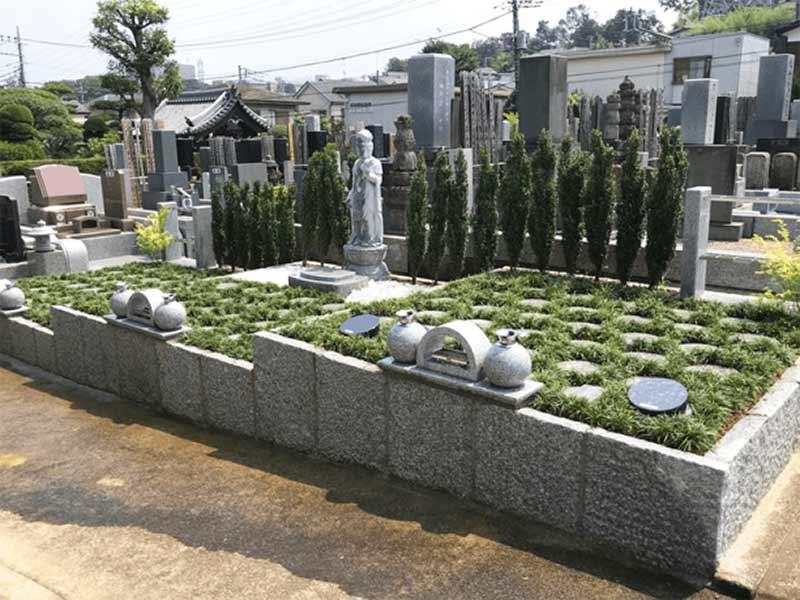 多摩稲城やすらぎ樹木葬墓地 庭苑型の樹木葬