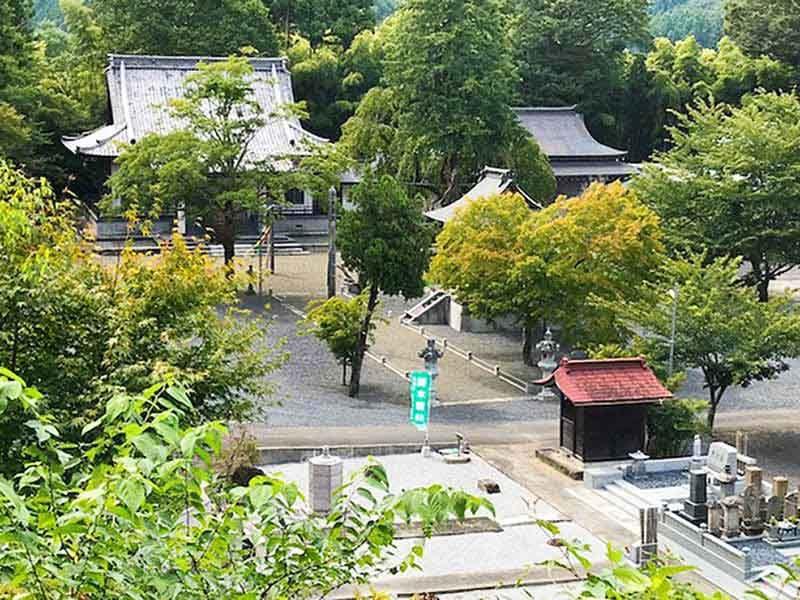 武蔵高尾樹木葬墓地 趣のある境内風景
