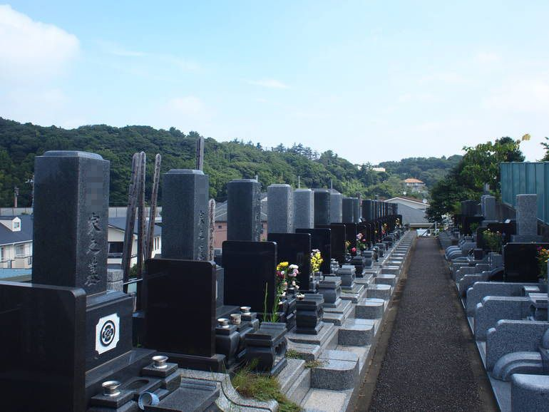 藤沢霊園 高台にある墓域