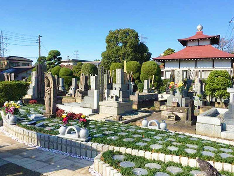 川口新郷樹木葬墓地 日当たりの良い霊園風景