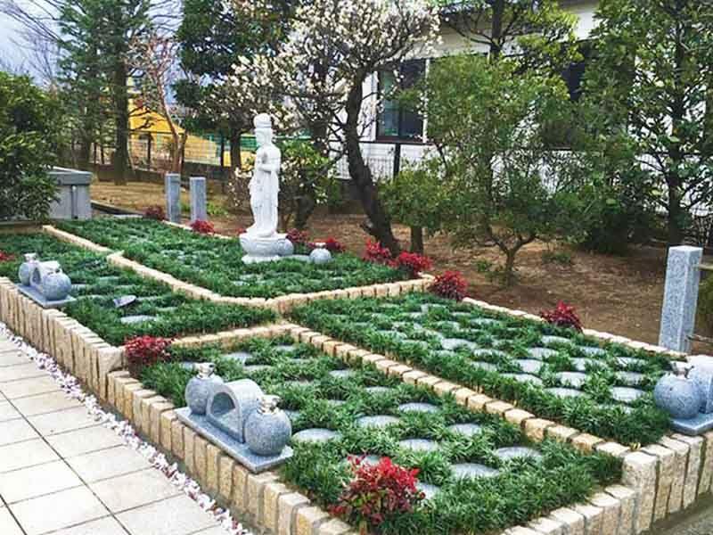 八潮樹木葬墓地 緑に包まれる樹木葬
