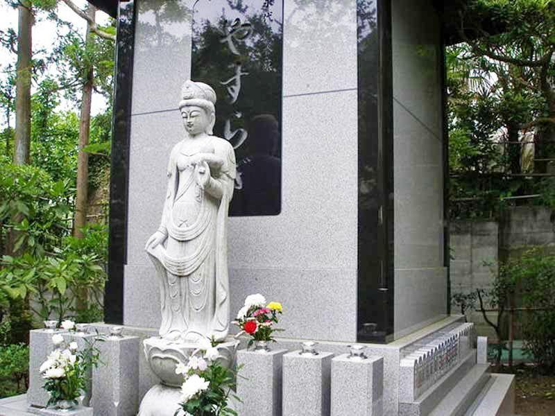 釜利谷中央浄苑 観音菩薩像