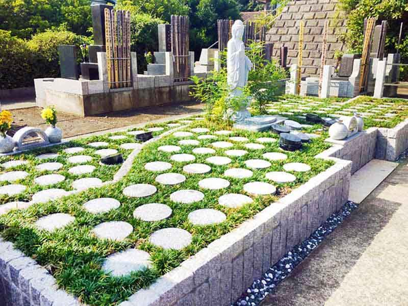 藤沢樹木葬墓地 日の当たる墓域