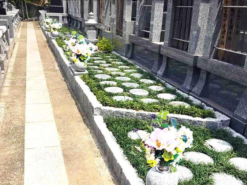 別所のさくら樹木葬墓地 明るい雰囲気の樹木葬