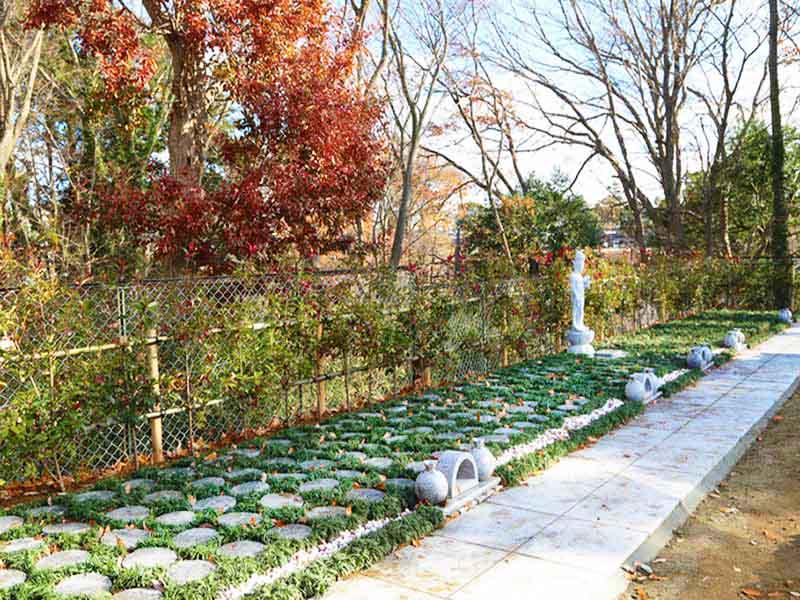 千葉中央樹木葬墓地 四季折々の自然が楽しめる樹木葬