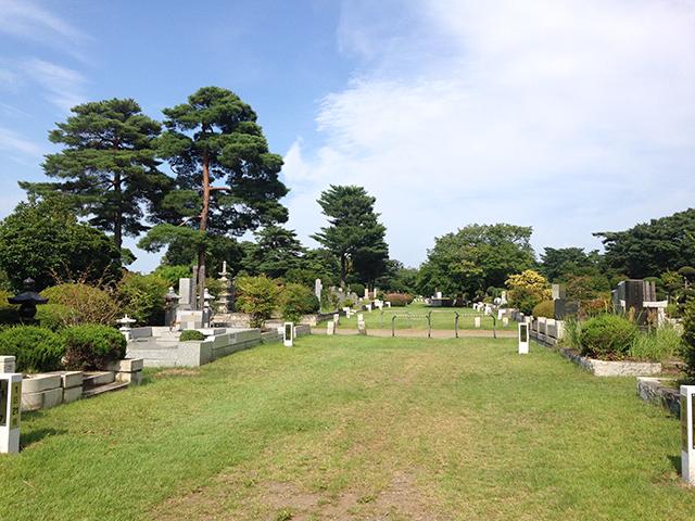 都立 小平霊園 全体面積の半分近くが緑地の自然溢れる霊園